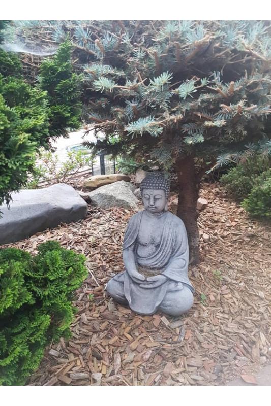 Budha se založenýma rukama